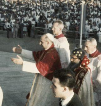 El cardenal Montini es elegido papa como Pablo VI un 21 de junio 1963