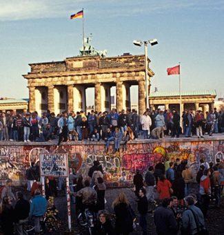 Un 9 de noviembre de 1989, cae el Muro de Berlín