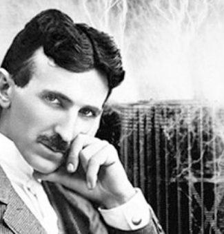 El 7 de enero de 1943 falleció Nikola Tesla, ingeniero mecánico, eléctrico y físico.